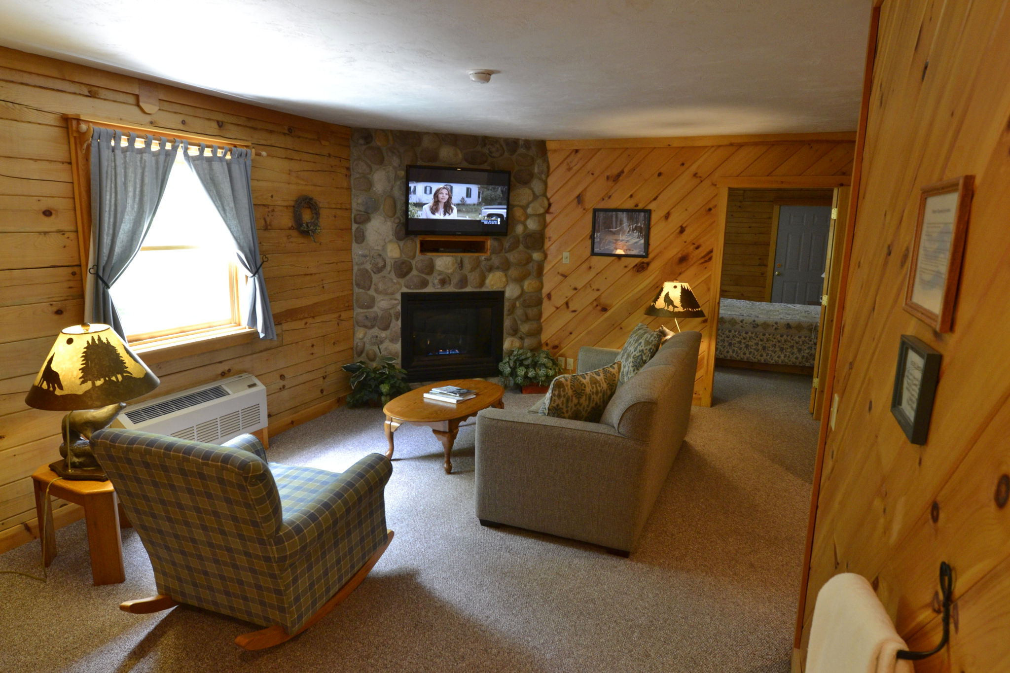 Jacuzzi Lodge Suites