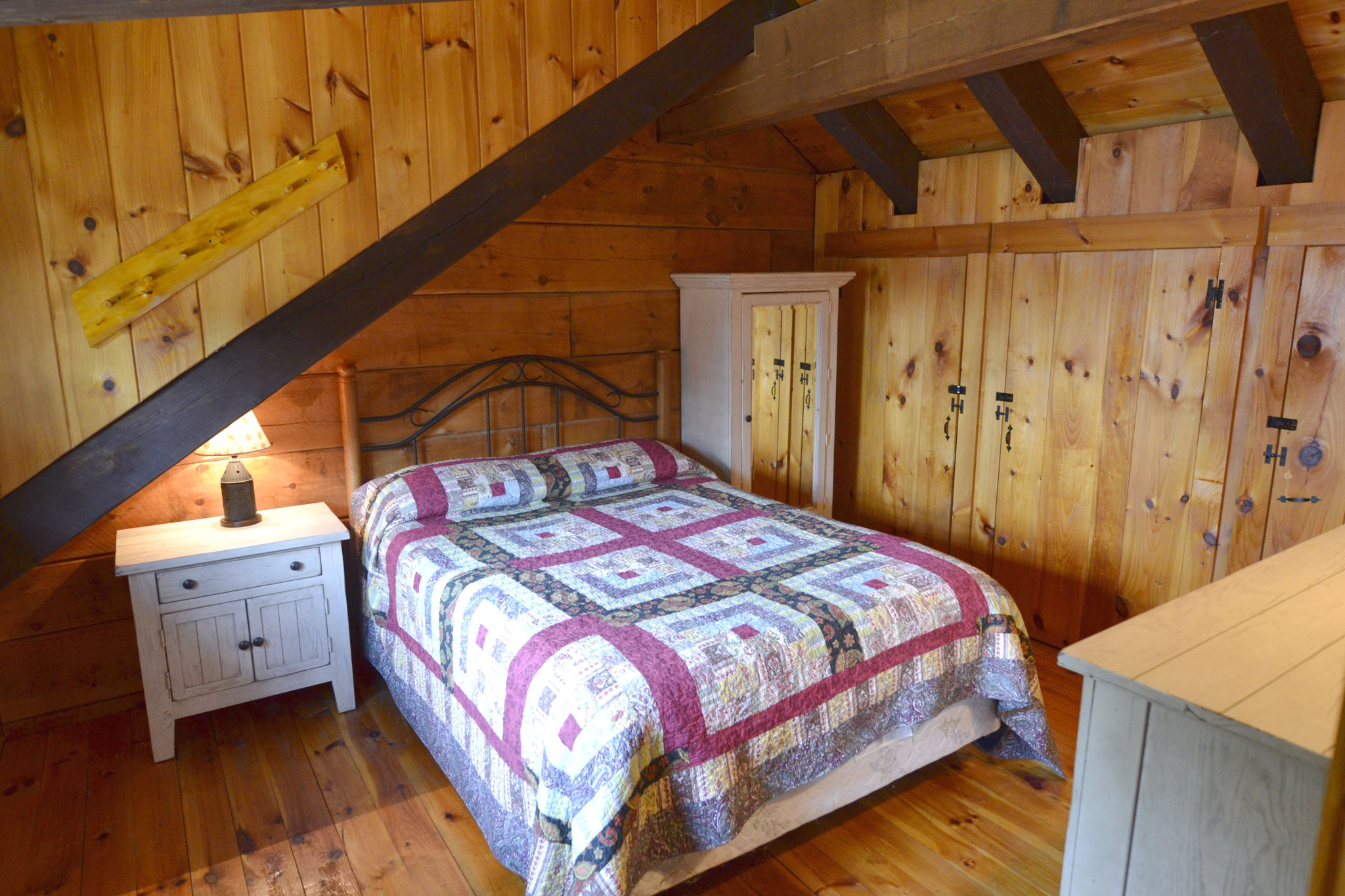 Main bedroom (1 bed)