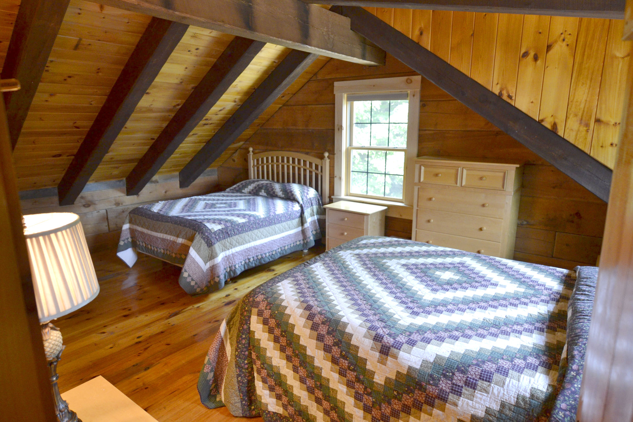 Second bedroom (2 beds)